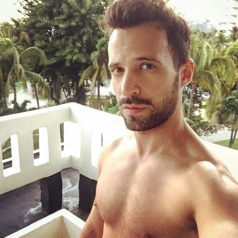 Plus de mensonges! Bonjour, je suis Rodrigo Massa, et fièrement GAY! - LNO