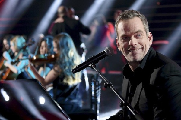 Ce soir on chante 2013 avec Emmanuel Moire, Amel Bent, Bruel, Obispo, Garou... (Photos).