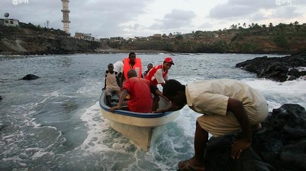 Immigration clandestine : Mayotte : déjà 10 000 reconduites à la frontière en 2015
