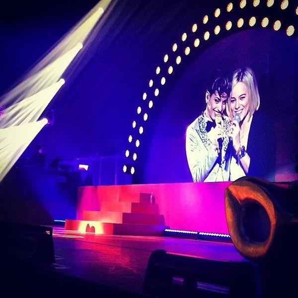 .@alizeeofficiel | Merci à ma @talofficial de m'avoir invité à chanter avec elle au palais des s... | Webstagram