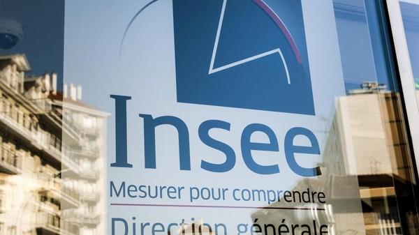 Économie : la France compte de plus en plus de pauvres, selon l'Insee