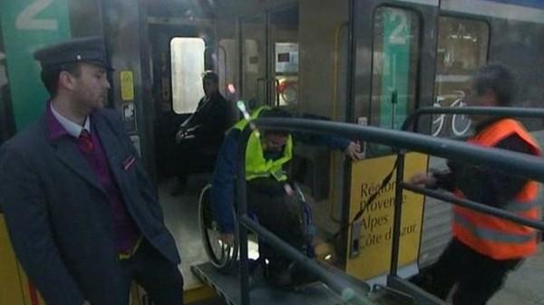 Alpes-Maritimes : Difficultés d'accessibilité pour les handicapés dans les gares - France 3 Côte d'Azur