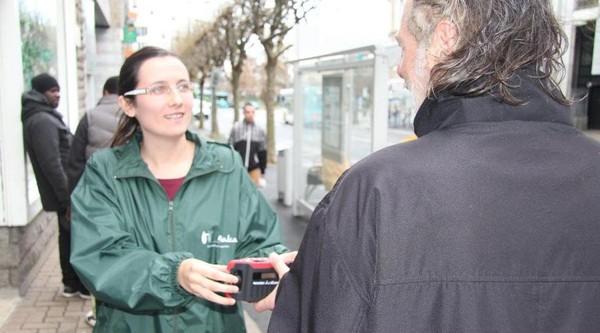 Saint-Brieuc. Des postes radio distribués aux sans-abri