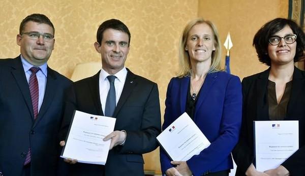 Minima sociaux aux moins de 25 ans: les bonnes résolutions de Manuel Valls