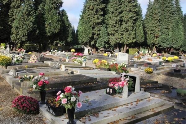Toussaint: De quelques règles dans nos cimetières   Charleroi