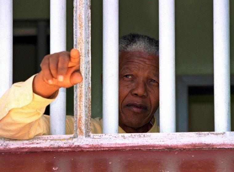 «Nous avons envoyé Nelson Mandela en prison», a révélé un ex-agent de la CIA