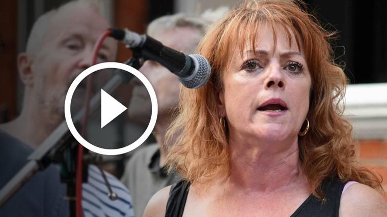 Londres: Julie Hyland, dirigeante du Parti de l'égalité socialiste, s'adresse au piquet pour la libération de Julian Assange