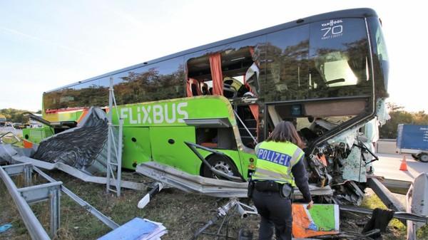 Karlsruhe : grave accident d'un autocar Flixbus qui se rendait à Strasbourg