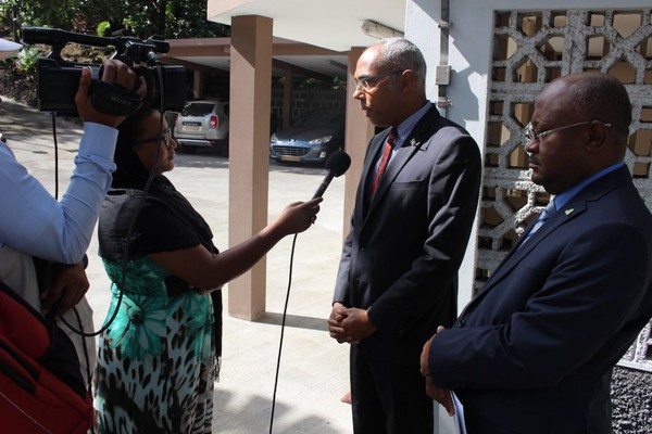 Hamada Madi Boléro rend visite à l'Ambassadeur de France