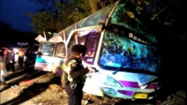 Accident de car en Thaïlande: 15 morts dont 13 enfants - RTBF Monde