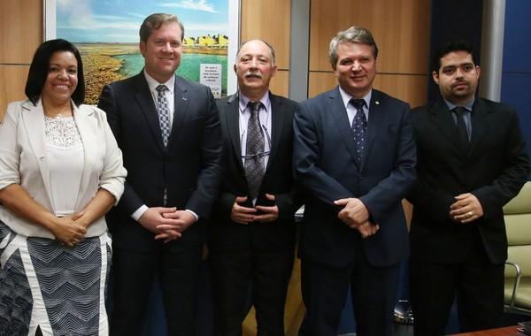 Ministro da Turismo recebe Jaiminho e a vereadora Janete e manifesta apoio ao projeto da Cruz de Todos os Povos | Sistema MPA de Comunicação