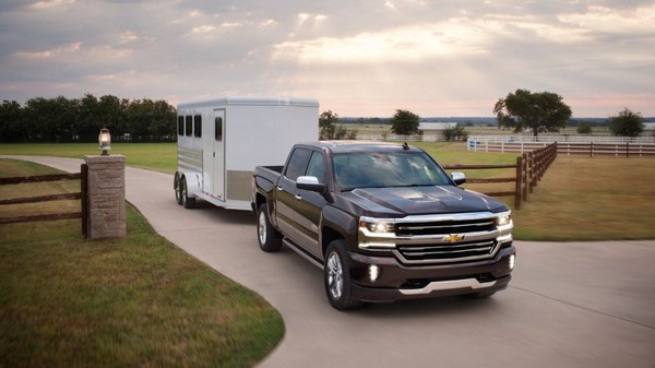 Top 3 most popular pickup trucks of this month