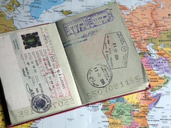 Les citoyens de Colombie, du Pérou devraient être autorisés à voyager sans visa dans l'espace Schengen
