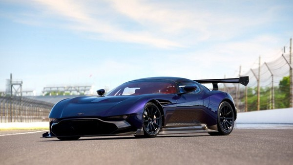The incomparably good-looking Aston Martin Vulcan up for auction!