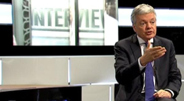 """Didier Reynders (MR) : """"on a le droit de s'en prendre à toutes les religions"""" - TéléBruxelles"""
