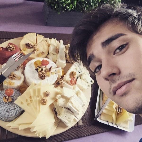 """Jorge Blancog on Instagram: """"Se nota que estamos en Francia 😋"""""""