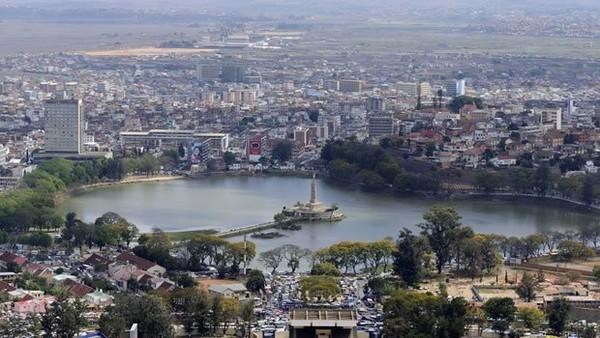 Antananarivo: un chef étoilé français incarcéré pour attouchement sur mineur - LINFO.re - Océan Indien, Madagascar
