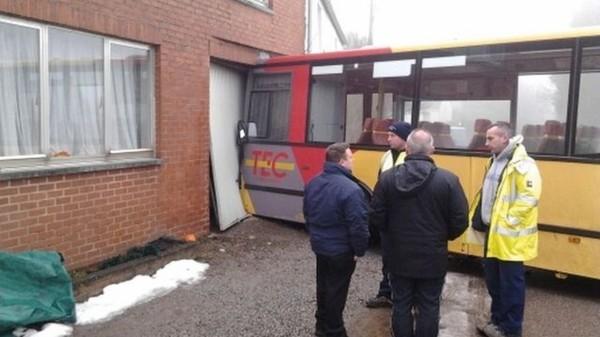 14 blessés dans un accident de bus TEC à Couvin - RTBF Regions