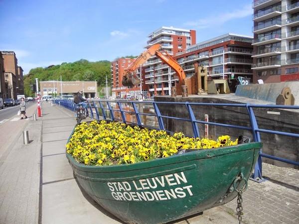 Mes parcours des voies d'eau par Pierre Lemoine: Dragage à Louvain