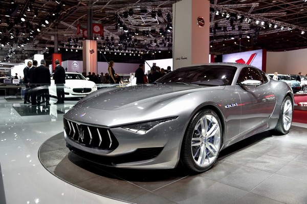 Fiat Chrysler Hints at Electric Line-Up to Rival Tesla!