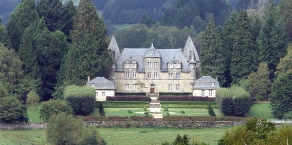 Jacques et Bernadette Chirac : les secrets de leur château en Corrèze