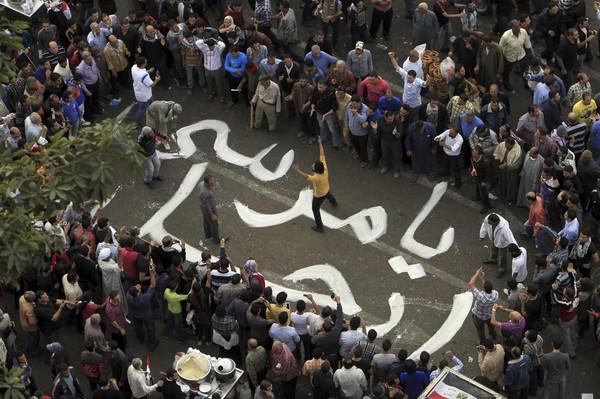 L'Egypte divisée face à Morsi, qui se pose en gardien de la révolution