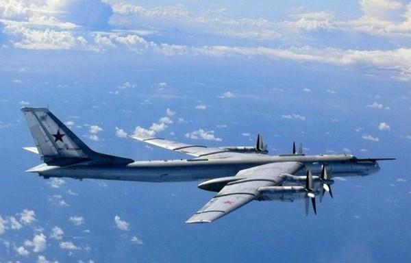 Des avions russes sont venus se promener près des côtes françaises - Wikistrike