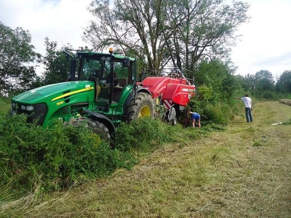 articles de tracteuragricole2012 tagg s gps tracteur accident vol de tracteur. Black Bedroom Furniture Sets. Home Design Ideas