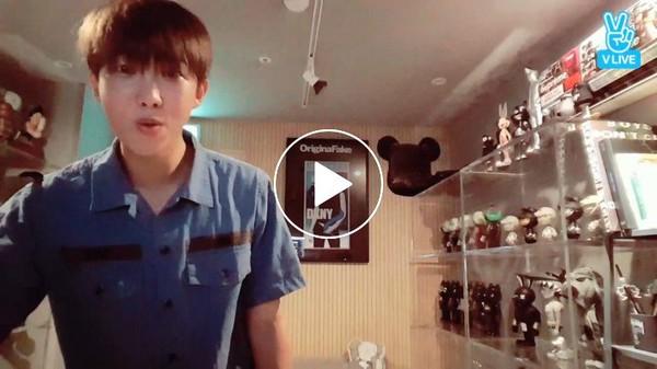 [V LIVE] [BTS] 남준이의 🆕 몬스튜디오 자랑🎶 (와장창) (쿠당탕) (RM's new studio!)