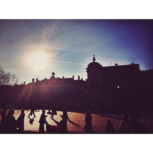 .@instashym | #StSulpice #Paris #Amorino #Yogourt/Mangue | Webstagram