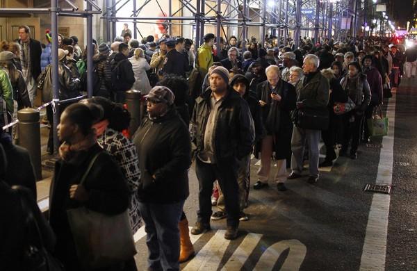 Etats-Unis: New York toujours coupée en deux après le passage de Sandy