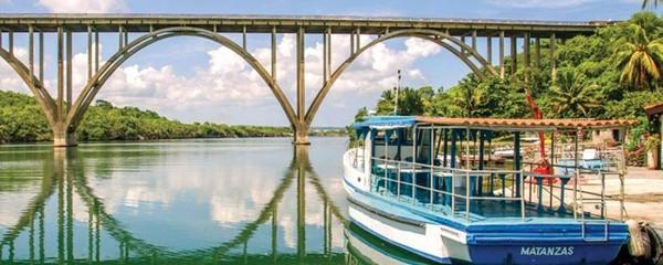 Discover Qué Bolaa Cuba Travel: Cuban Island Casa Particular