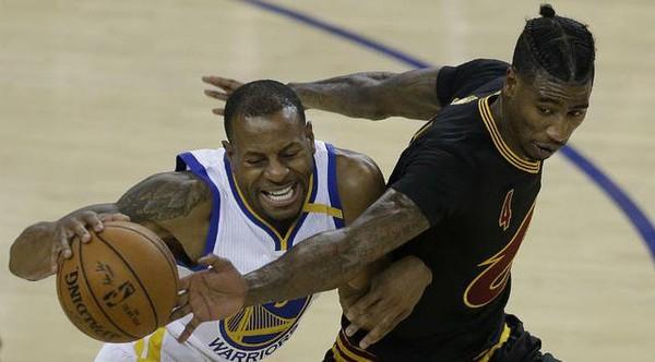 Kawal Durant Sampai Kram, Guard Cleveland Cavaliers Harus Diinfus | Berita Olahraga Terkini