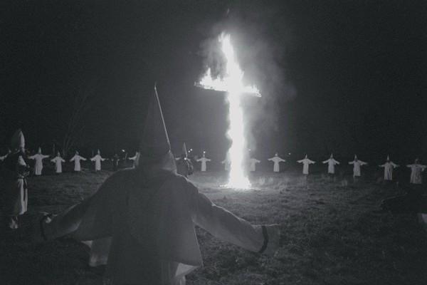 Les Inrocks - Comment des hommes ordinaires deviennent des extrémistes