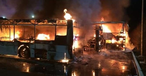 Heppignies: cinq autocars touchés par un incendie (photos + vidéo)