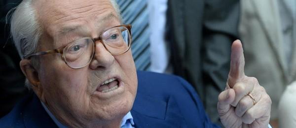 """Débat: Jean-Marie Le Pen estime que sa fille a """"manqué de hauteur"""""""