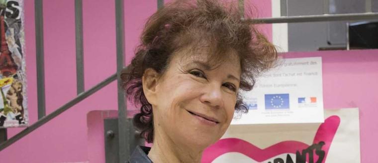 Les Enfoirés pleurent Véronique Colucci, l'ex-femme de Coluche, décédée à 69 ans - actu - Télé 2 semaines