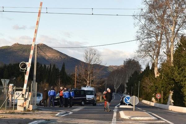 Une région plongée dans la douleur après l'accident entre un car et un train | AFP.com