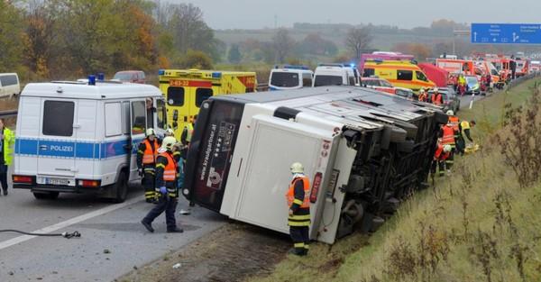 Accident de car en Allemagne: un enfant tué, cinq autres grièvement blessés