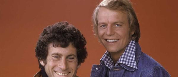 PHOTOS – Starsky et Hutch en fauteuil roulant: 40 ans après, l'image qui a ému tous leurs fans - Gala