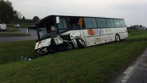 Normandie. Collision entre un bus scolaire et une voiture près de Lisieux