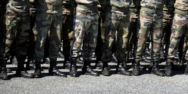 Pourquoi le service militaire connaît un retour en grâce