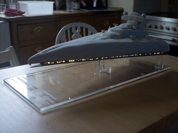 Blow Up The Sun!: Light-Up Star Destroyer Birthday Cake | Geekologie