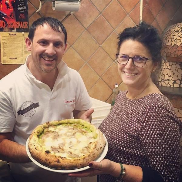 """Gaetano on Instagram: """"""""Il mondo sembra sempre più luminoso dietro un sorriso"""". Ti aspettiamo per farti assaporare la nostra pizza ❤"""""""