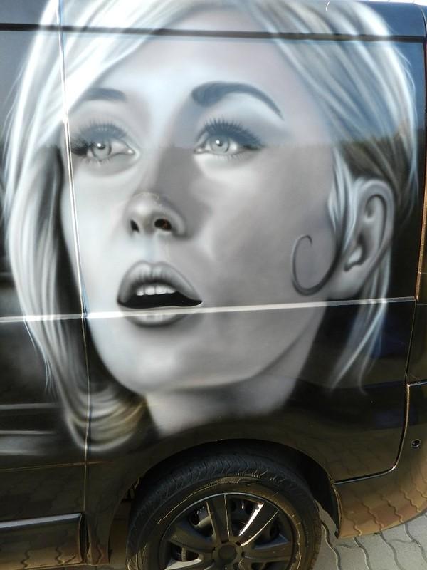 manolane peintre aérographe camion