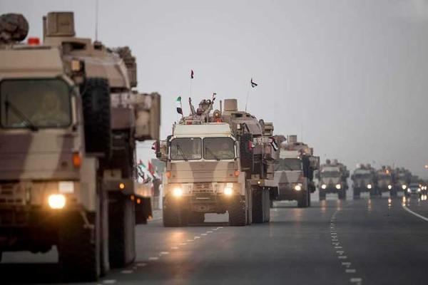 Instituto Manquehue - Emiratos Árabes Unidos ilegalmente despliega fuerzas militares en la isla de Yemen para entrenamiento
