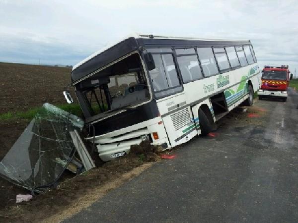 Chaptuzat (63), 11 blessés légers dans un accident - ACCIDENT - France 3 Régions - France 3