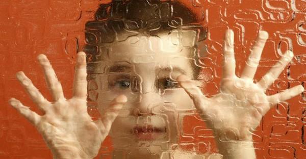 127 associations dont Autisme France dénoncent les placements abusifs d'enfants autistes