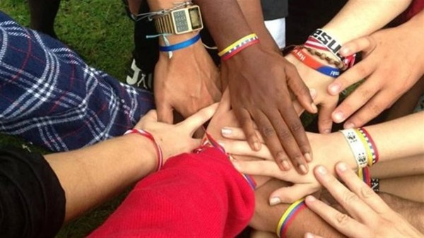 Devenir des «interprètes culturels» pour les étudiants étrangers