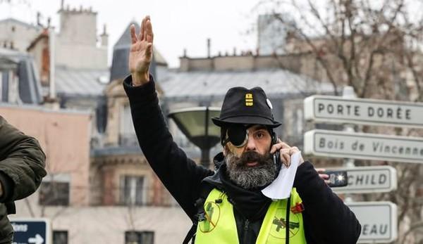 """Européennes : le gilet jaune Jérôme Rodrigues appelle à un """"vote anti-Macron"""""""